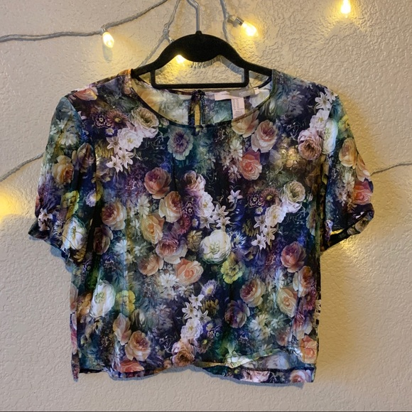 Forever 21 Tops - Floral Crop Top